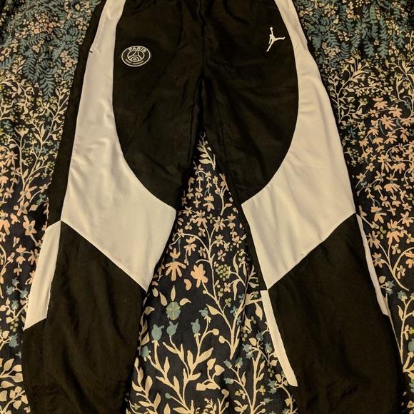0606f6a07da NEW Nike Mens Jordan x Paris Saint-Germain PSG Pan.  M_5c4d5319baebf632eb77002b. M_5c4d53173c984499653c57ca.  M_5c4d531ca5d7c6d39237a4d0